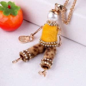 Chic Girl Pendant Necklace